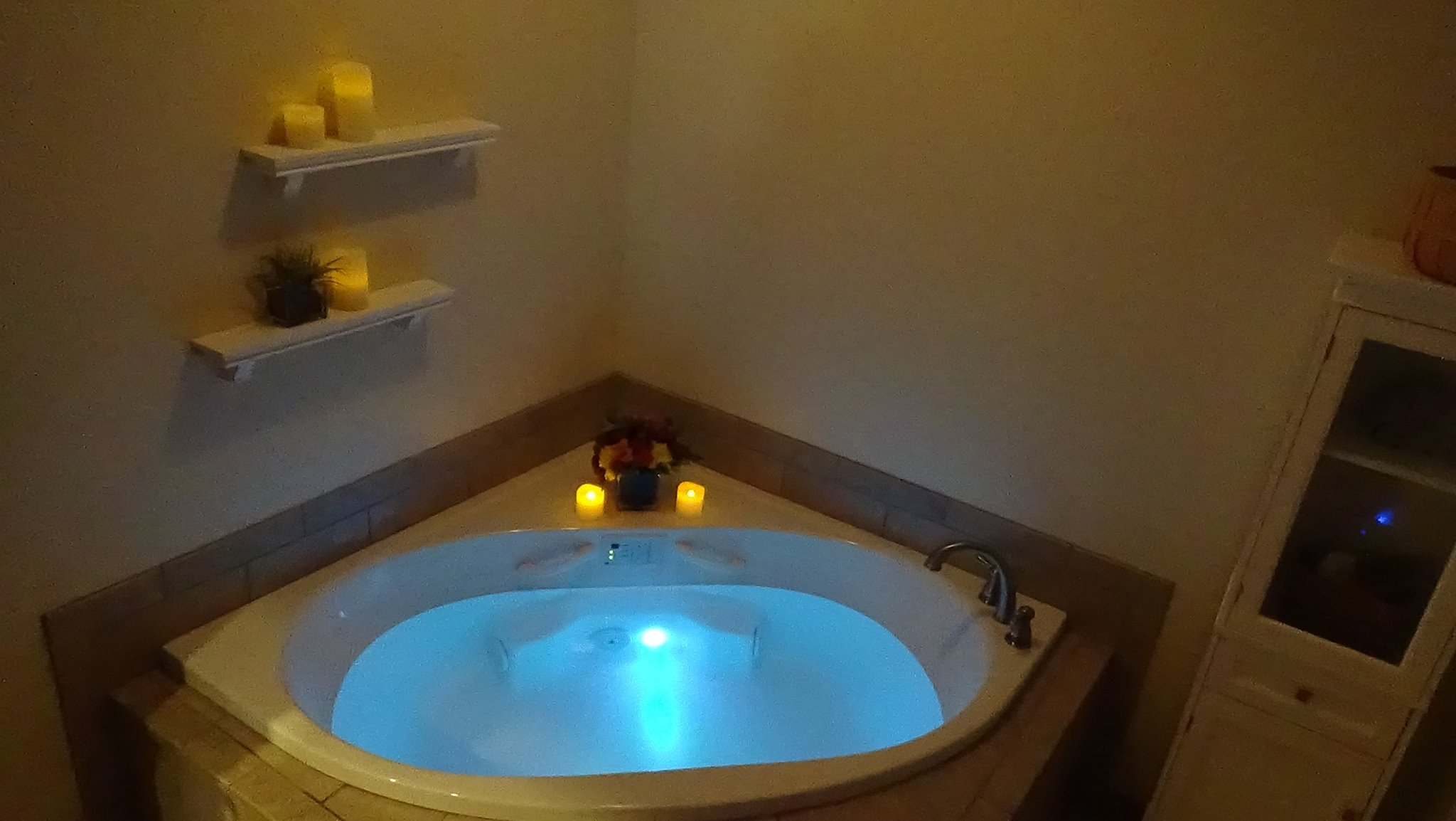Hydrotherapy Treatment soak, natural oils and dead sea salt