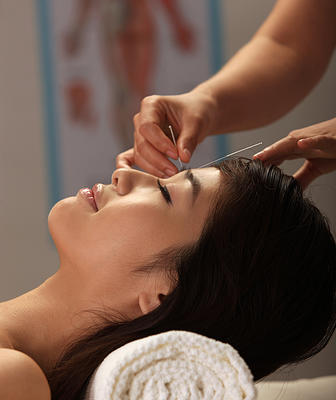 An Acupuncture Memphis Clinic with Community, Cosmetic and Ear Stapling